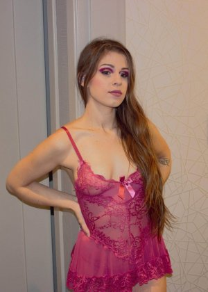 Marie-domitille call girl in Bainbridge Island Washington