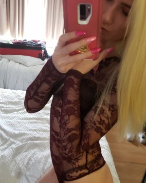 Andresia incall escort